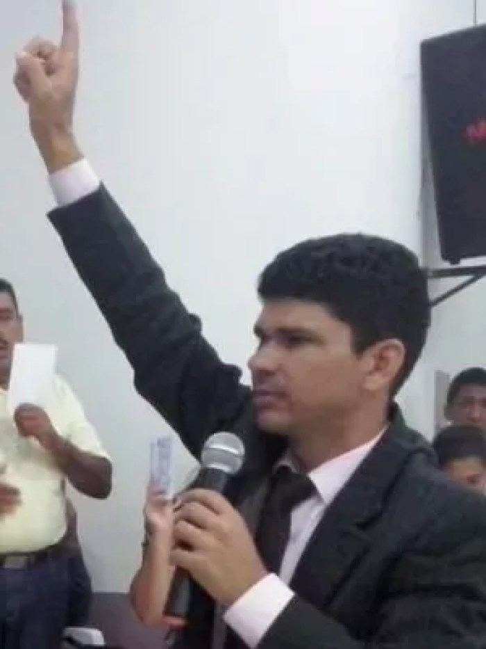 Pastor Carlos Bastos durante pregação (Foto: Arquivo Pessoal)