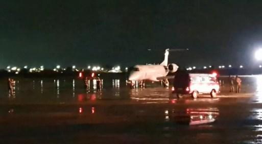 Avião da FAB pousa em Natal com 16 pacientes de Covid-19 transferidos de Manaus.  — Foto: Reprodução/Prefeitura de Natal