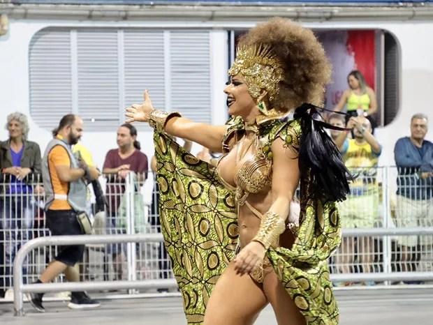 Viviane Araújo, rainha de bateria da Mancha Verde (Foto: Rafael Cusato / Ed. Globo)