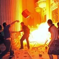 RIO: grupo invadiu  Alerj e feriu policiais (Tasso Marcelo/AFP)