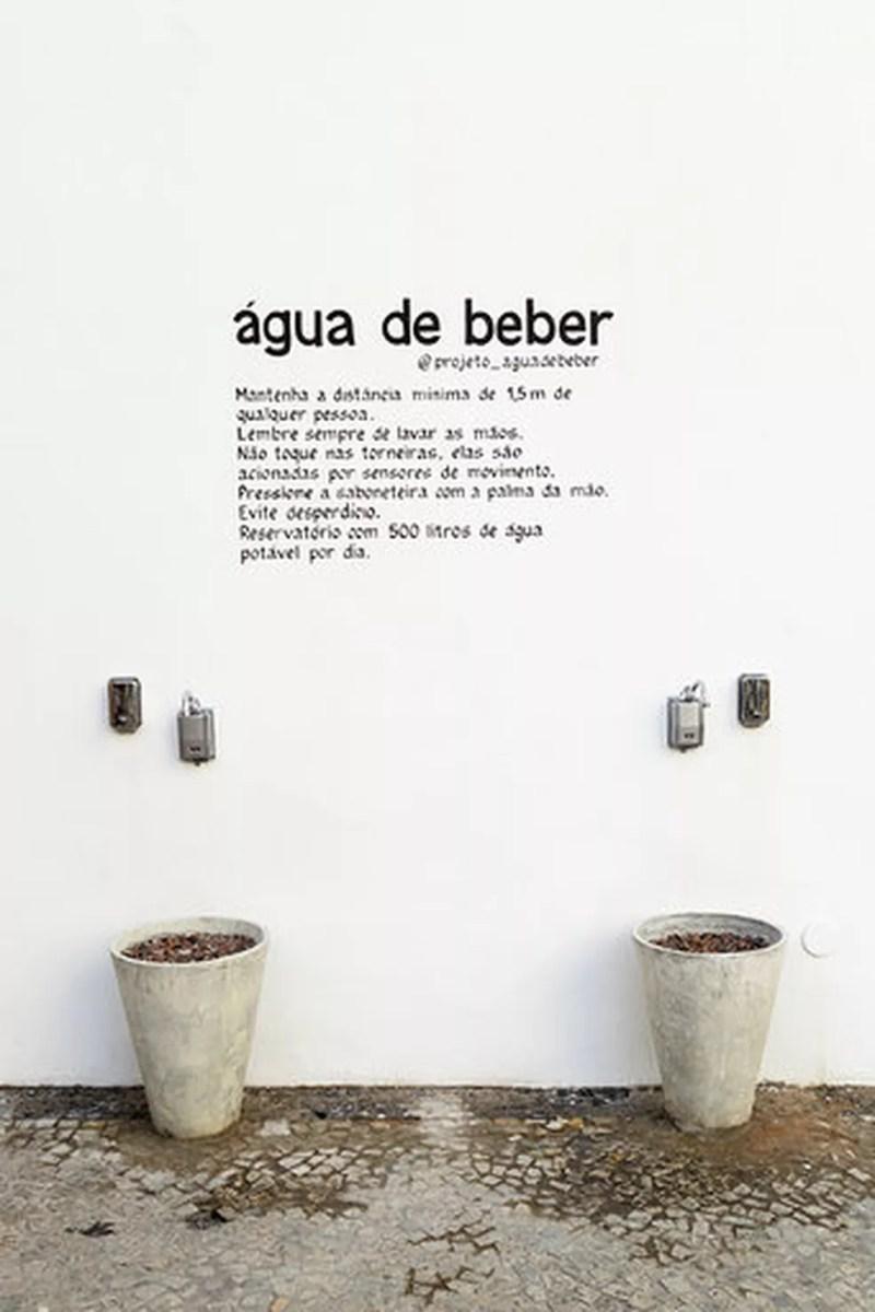 Parede no Centro do Rio recebe duas torneiras com água potável para população em situação de rua e pedestres. — Foto: Reprodução/Projeto Água de Beber
