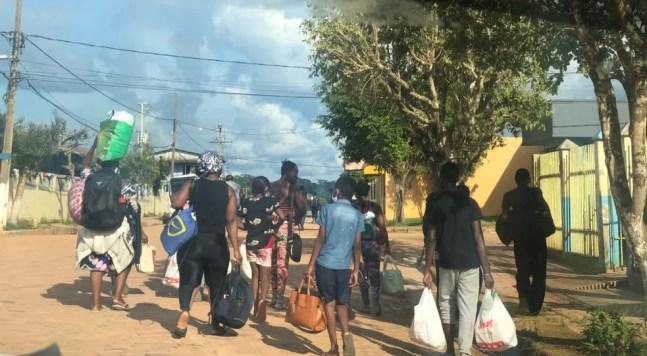 Imigrantes têm saído do Peru e seguido para Assis Brasil para tentar  — Foto: Arquivo/Prefeitura