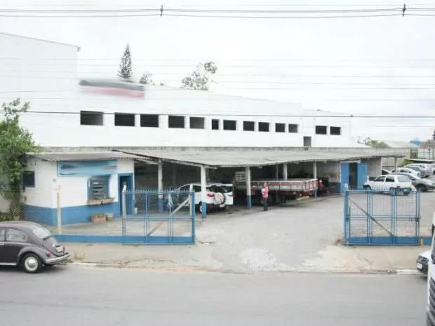 Prefeitura de Itatiba realiza inspeção em lava-rápidos (Foto: Reginaldo Maciel/ PMI)