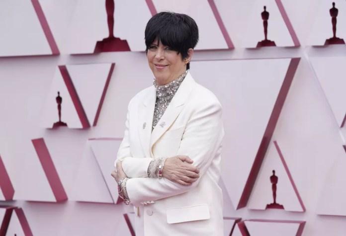 Compositora e produtora Diane Warren posa no tapete vermelho do Oscar 2021 — Foto: AP Photo/Chris Pizzello