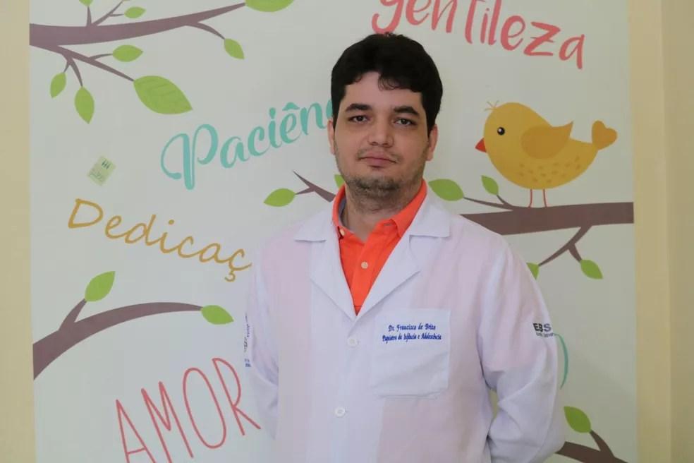 Psiquiatra Francisco Brito associa suicídio com transtorno mental — Foto: Gilcilene Araújo/G1 PI