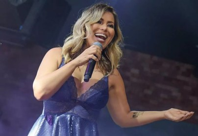 Cantora Walkyria Santos faz show em Campina Grande — Foto: Divulgação