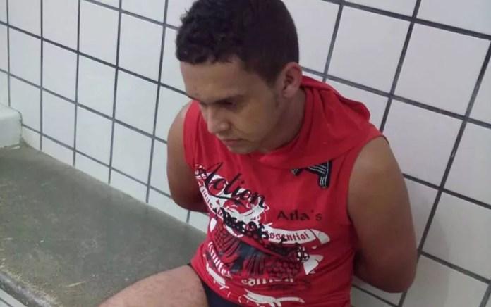 Edivan Ferreira de Souza foi preso suspeito de estuprar criança na Bahia (Foto: SulBahiaNews)