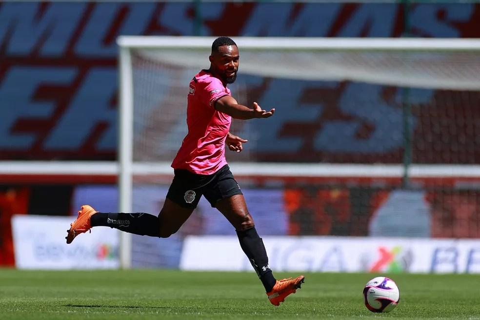 gettyimages-1282403842 Reforço do São Paulo, William venceu problema no coração e foi campeão com Ronaldinho e Volpi