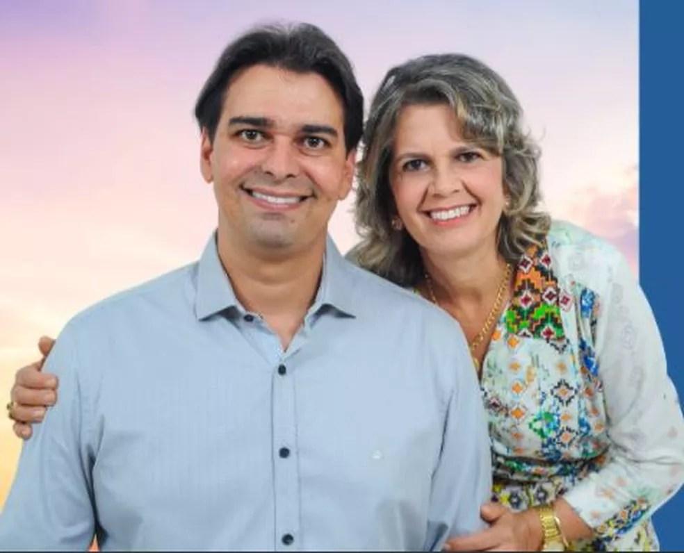 A vereadora eleita Francisca Carneiro dos Santos e o filho Cássio Remis — Foto: Reprodução Facebook