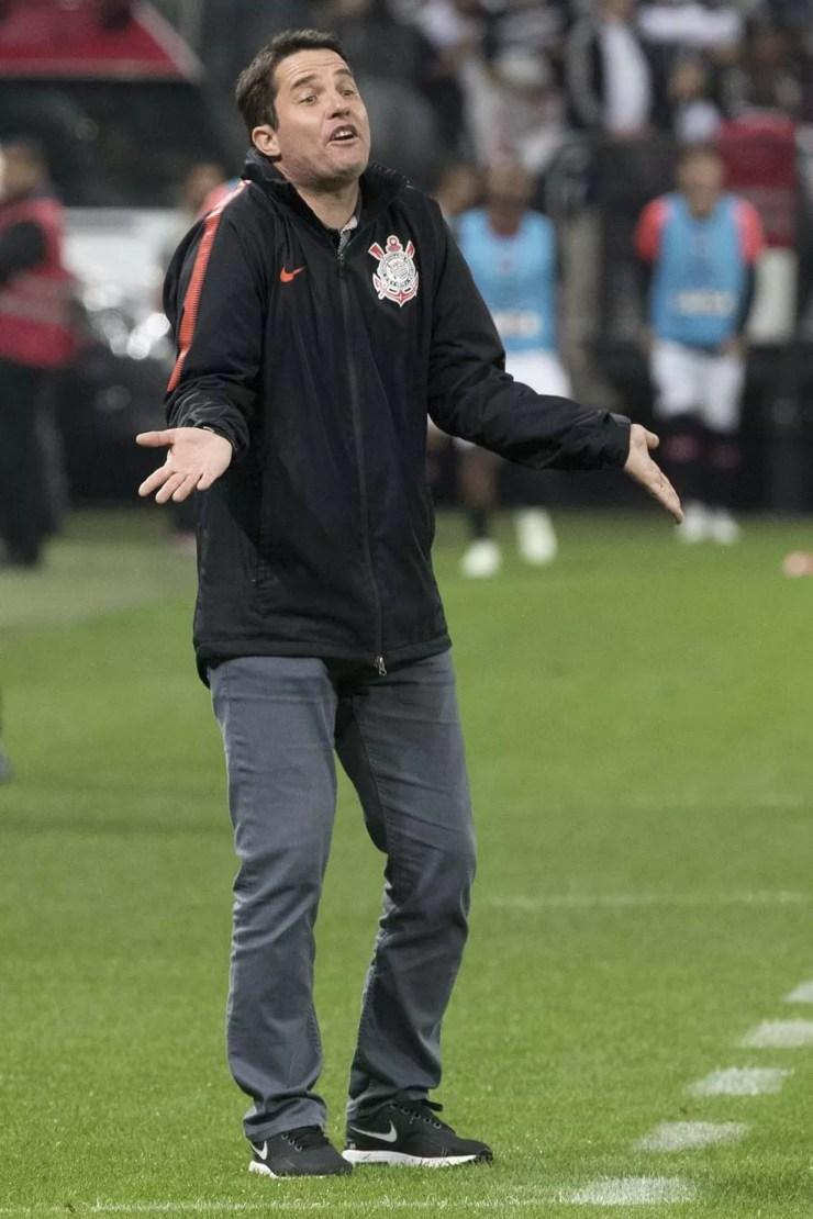 Osmar Loss, técnico do Corinthians, durante a partida contra o Atlético-PR (Foto: Daniel Augusto Jr/Ag.Corinthians)
