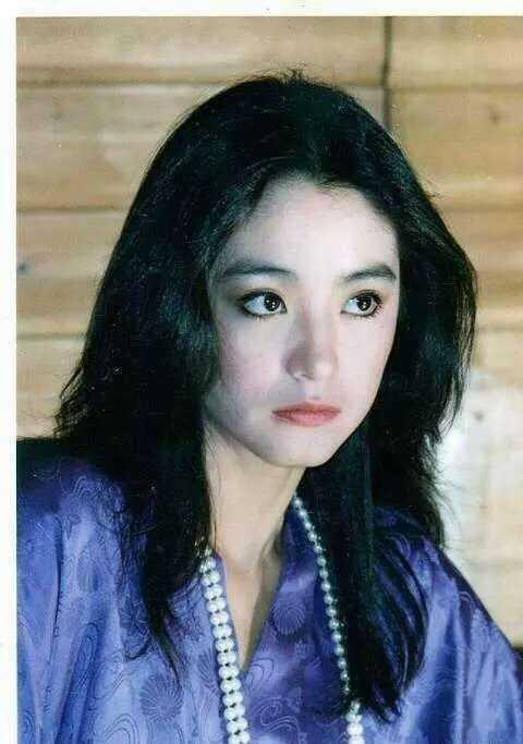 14982115107132 - 63歲林青霞「與28歲女兒同台」,網友一看瞬間懂了....「美麗與年齡無關!」