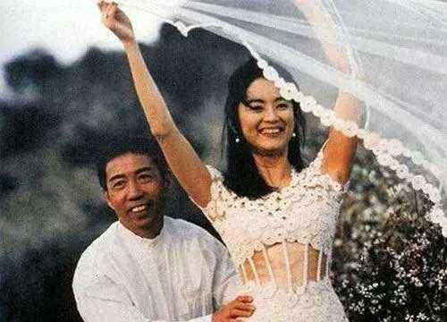 14982115111440 - 63歲林青霞「與28歲女兒同台」,網友一看瞬間懂了....「美麗與年齡無關!」