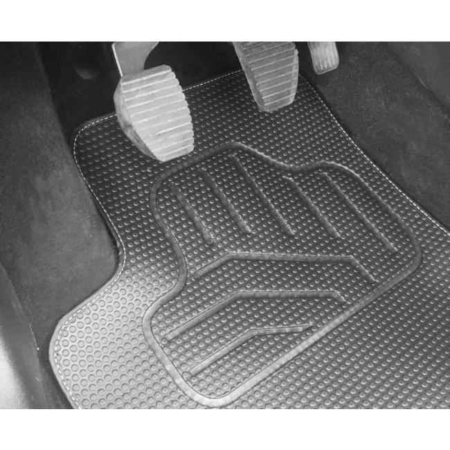 tapis tapis sur mesure jeu complet de tapis sur mesure noirs en pvc norautodescription