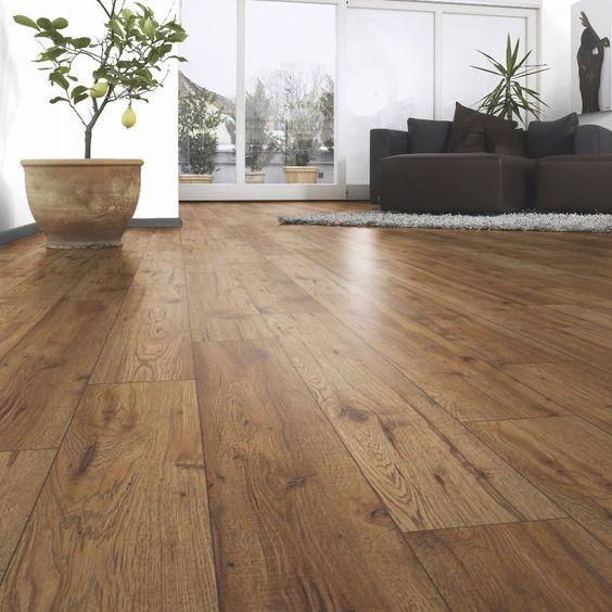舖設「木頭地板」大有學問! 想讓居家空間「氣派又大方」你一定要這樣擺... - LOOKER