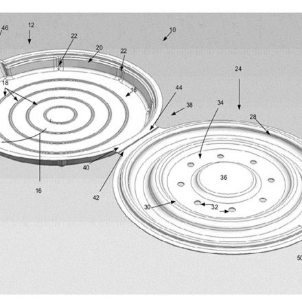 Apple patents a redesigned pizza box that stops crusts from getting soggy.