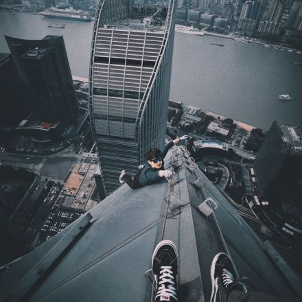 Shanghai's Daring 'Rooftoppers' Are Taking Urban Exploration to New Heights