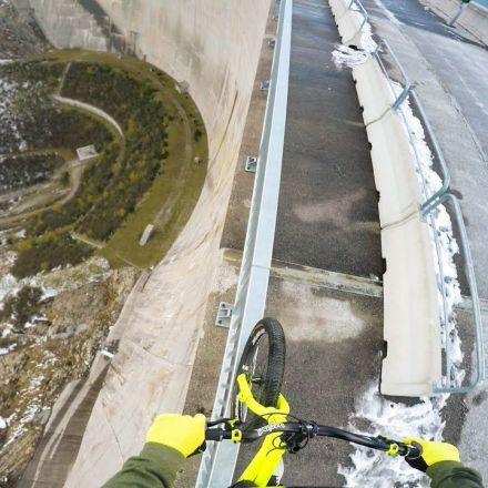 Bike balancing 200m high up