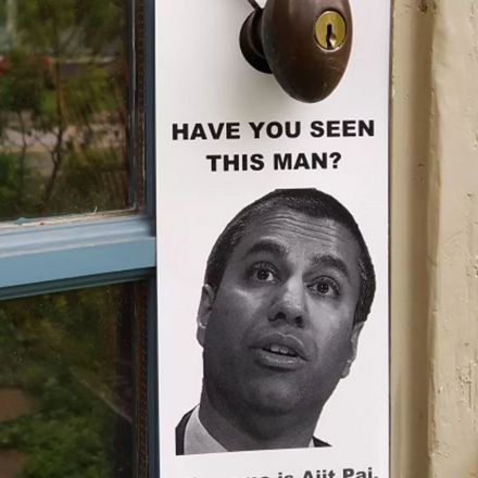 Net neutrality protestors leave messages on doors in FCC chairman's neighborhood