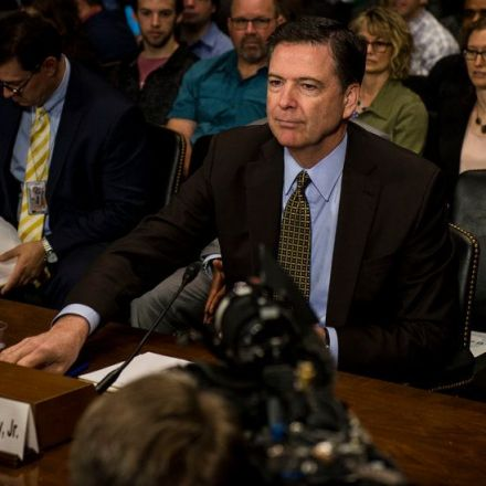 Comey Memo Says Trump Asked Him to End Flynn Investigation