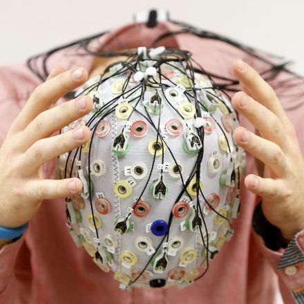 Neuroscience can now curate music based on your brainwaves, not your music taste