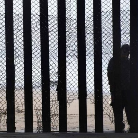 US-Mexico border crossings at 17-year low