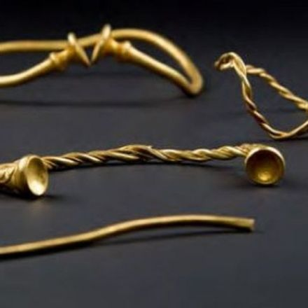 'Oldest' Iron Age gold work in Britain found in Staffordshire