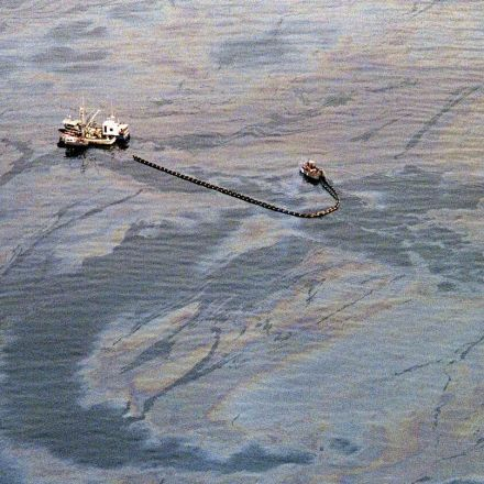 Let's Remember Exxon's Extremely Fucked Up Response to Its Catastrophic Oil Spill