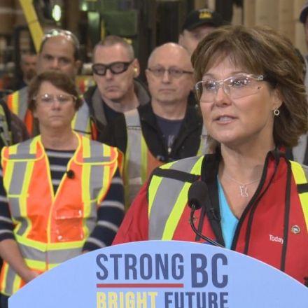 B.C. Premier responds to U.S. softwood duties by seeking a ban on U.S. coal transport through B.C.
