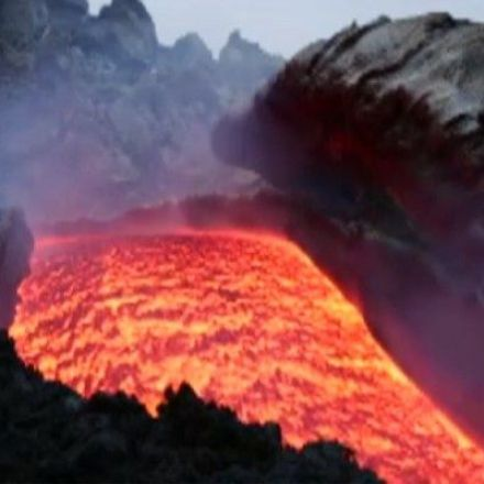 VIDEO: Lava Flows Down Side of Mount Etna