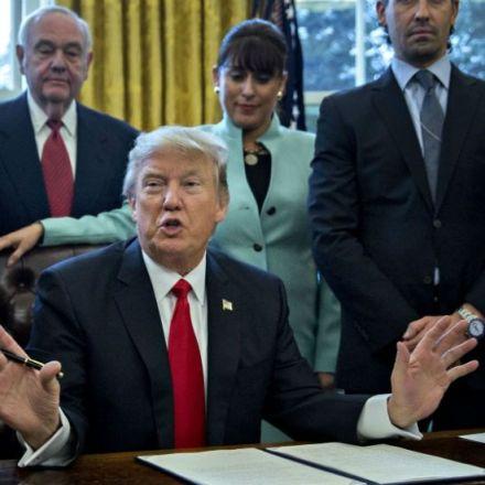 Dem to unveil bill requiring a White House psychiatrist
