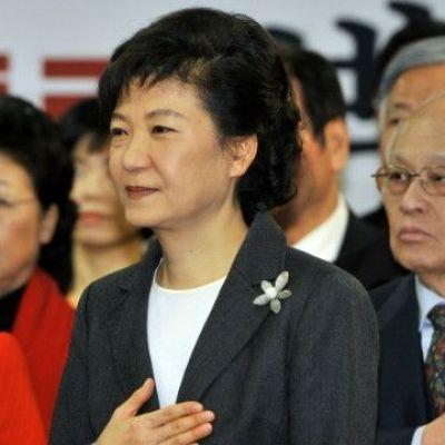 S Korea: Protestors call for Park resignation