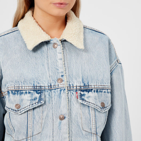 Levi's Women's Oversized Sherpa Trucker Jacket