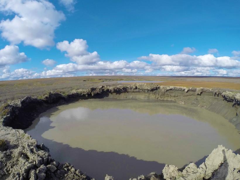 сочетание дыра в земле на ямале фото еще