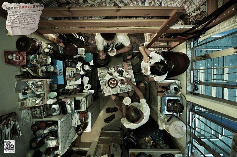 Apartemen Hong Kong Makan Bersama Keluarga