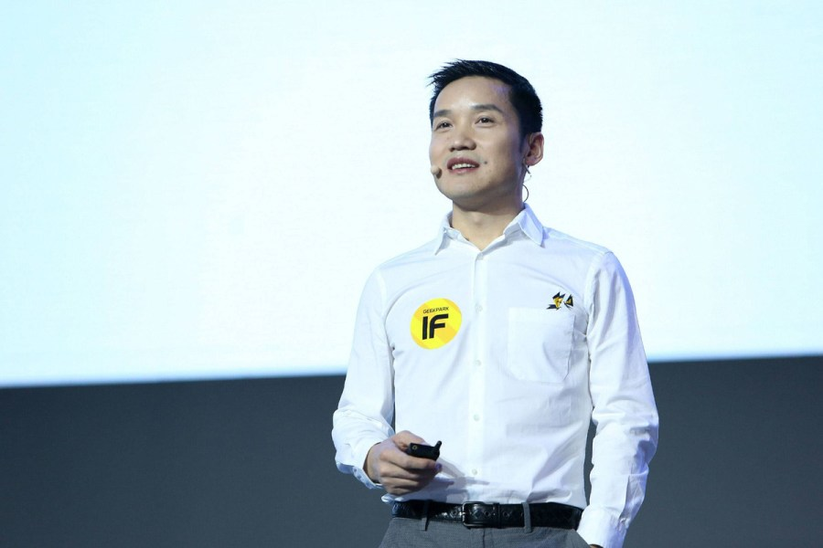 Pete Lau briefing about the brand oneplus
