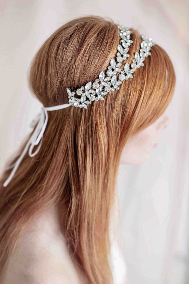 drop-dead wedding hairstyles & accessories - modwedding