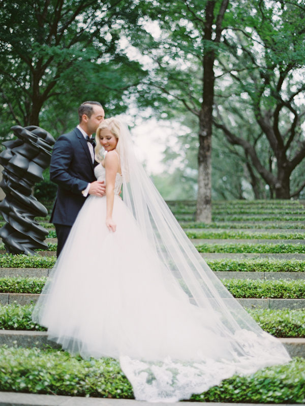 Classic Southern Wedding at the Modern Nasher Sculpture Garden