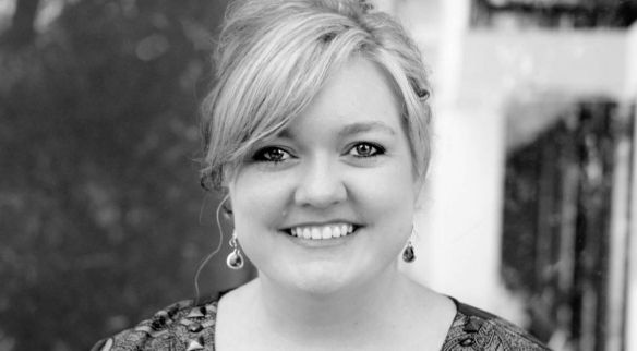 Colleen Hoover author photo