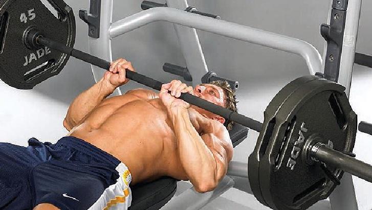 臥推時手怎麽放重要嗎?靠這4種握法打造完美胸肌!