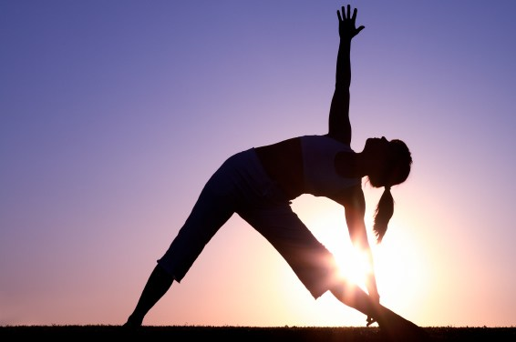 3招腰背伸展技巧,放鬆上班痠痛