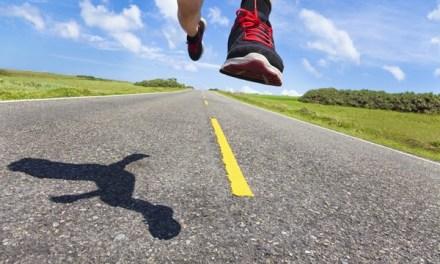 """要健康愉悅地跑,6招教你挑好""""慢跑鞋"""""""