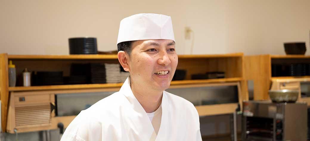 大卒で、寿司職人の道へ。「絶対に満足してもらえる店」ではたらく喜び【株式会社アミノ社員インタビュー】