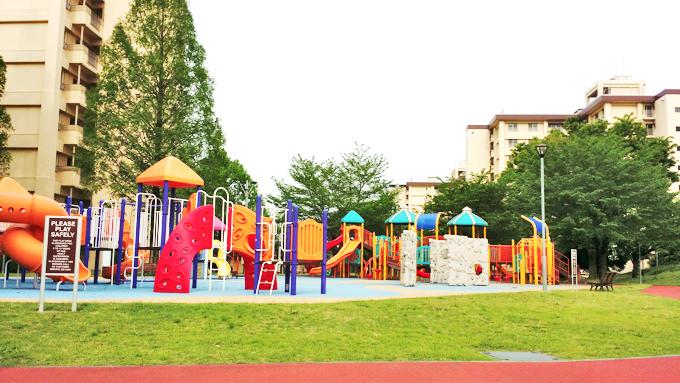 米軍基地(横田基地)内の公園施設・遊具