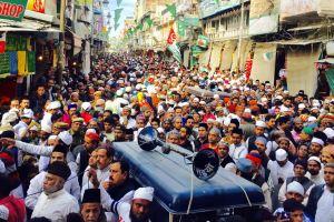 Khadims and locals protest against Shiv Sena Hindustan in Dargah Bazar, Ajmer. Credit: Aadil Raza Khan