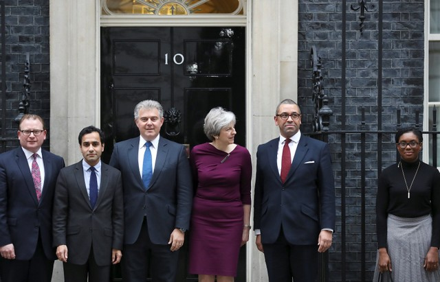 Cabinet reshuffle: Theresa May set to refresh top team