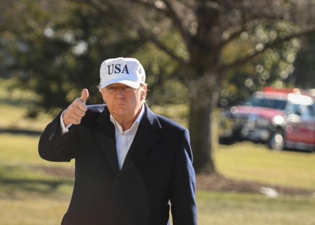 US President Donald Trump returns to the White House from Camp David, in Washington, US, January 7, 2018. Credit: Reuters/Mary F. Calvert