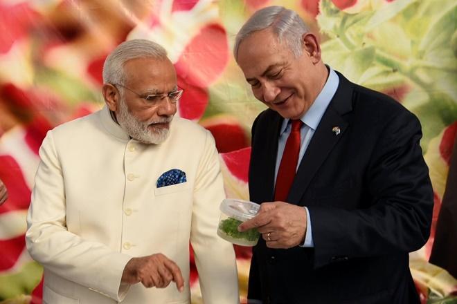 Prime Minister Narendra Modi with his Israeli counterpart Benjamin Netanyahu. Credit: Twitter/PMO