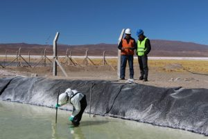 The effort to search for lithium in the Salar de Caucharí-Olaroz, in the province of Jujuy, is a project developed by the Exar mining company, a joint venture between Canadian Lithium Americas Corp (LAC) and the Chilean Sociedad Química y Minera (SQM). In total, there are 53 projects in the exploration or project feasibility phases. Credit: Mining Chamber of Commerce of the Province of Jujuy