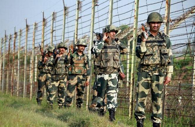 India, Pakistan trade heavy fire on global  border in J&K