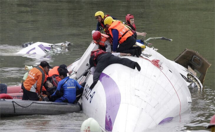 TransAsia plane crashes into Taiwan river, 23 killed